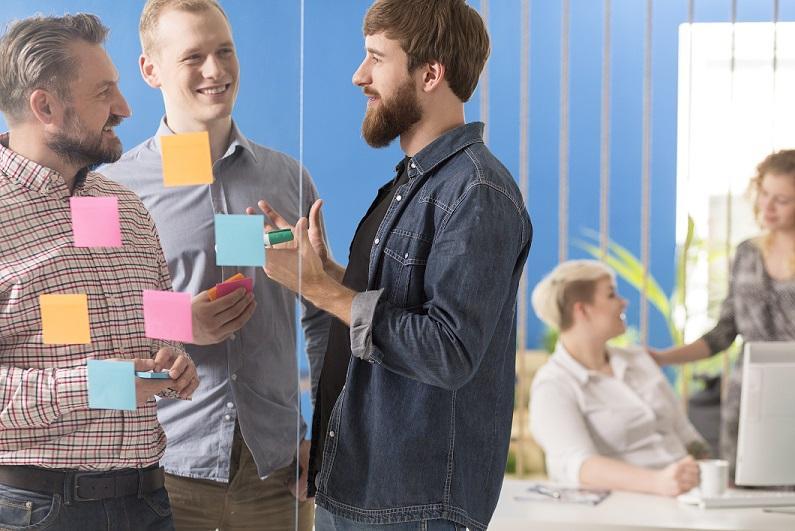 Podľa stola spoznáte človeka: doplnky pracovného stola veľa povedia