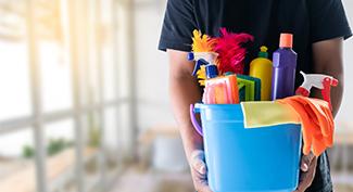 Čistiace prostriedky: Ako udržať vašu kanceláriu čistú a voňavú?