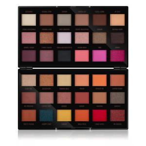 Makeup Revolution by Petra paletka očných tieňov 36 × 0,8 g